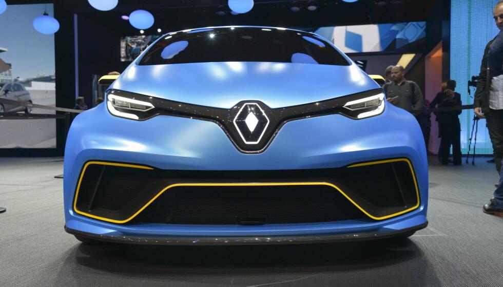 <strong>Look-a-like:</strong> Med rørkonstruksjon og karbonkarosseri er Renault Zoe e-Sport mer som en look-a-like å regne. Foto: Jamieson Pothecary