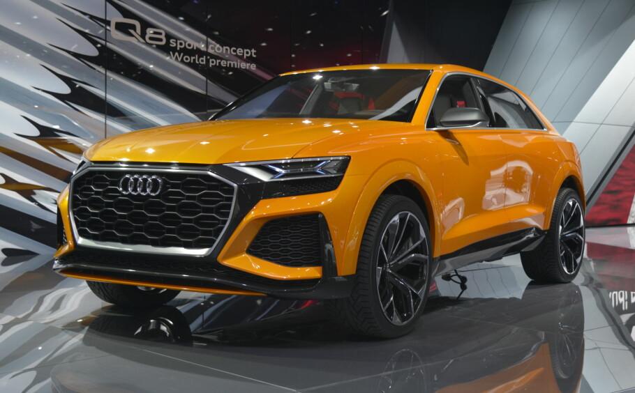SVÆR, MEN SPORTSLIG: Over fem meter lang, men med ytelser som en sportsbil - det lover Audi angående den nye SUV-en Q8, som vi ser her i en ny Sport Concept-utgave i Genève. Den bruker 48-volt elektro-teknologi fra SQ7 TDI, men kombinert med bensinmotor. Foto: Jamieson Pothecary