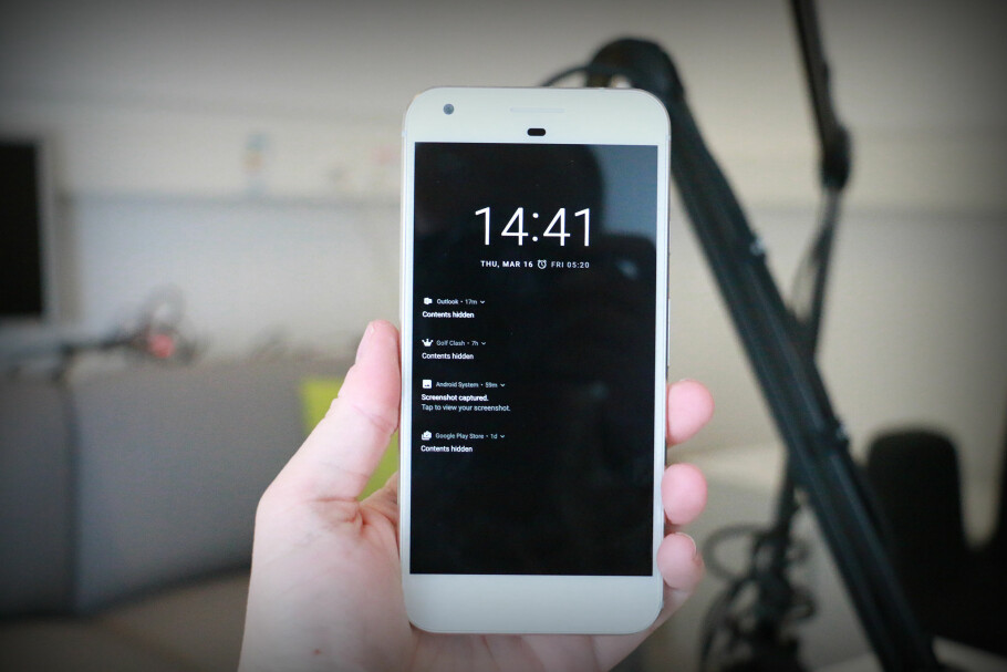 GOOGLE-TELEFONEN: Google Pixel XL kjører «ren» Android og har et svært godt kamera. Foto: Pål Joakim Pollen