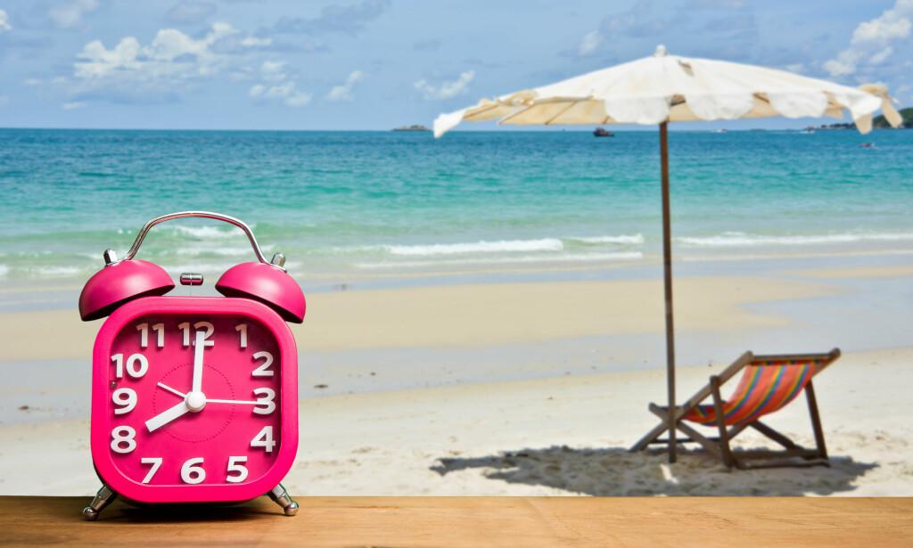 SOMMEREN ER HER: I alle fall sånn tidsmessig: Natt til søndag 29. mars stiller vi klokka til sommertid. Det betyr lysere kvelder. Foto: NTB Scanpix/Shutterstock