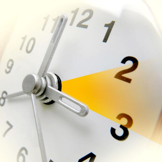HUSKEREGEL: Klokka skal alltid stilles MOT SOMMEREN. Nå skal den altså én time frem, og på høsten må den en time tilbake. Foto: NTB Scanpix/Shutterstock