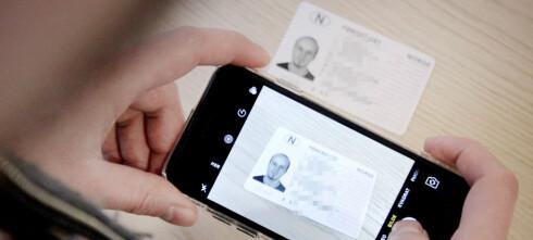 Advarer mot å sende bilder av ID-kort