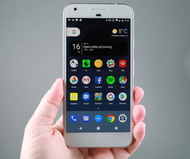 OMVEI: Googles Pixel-telefoner fås kjøpt i norske nettbutikker, men disse telefonene har blitt direkteimportert fra andre land. Foto: Pål Joakim Pollen