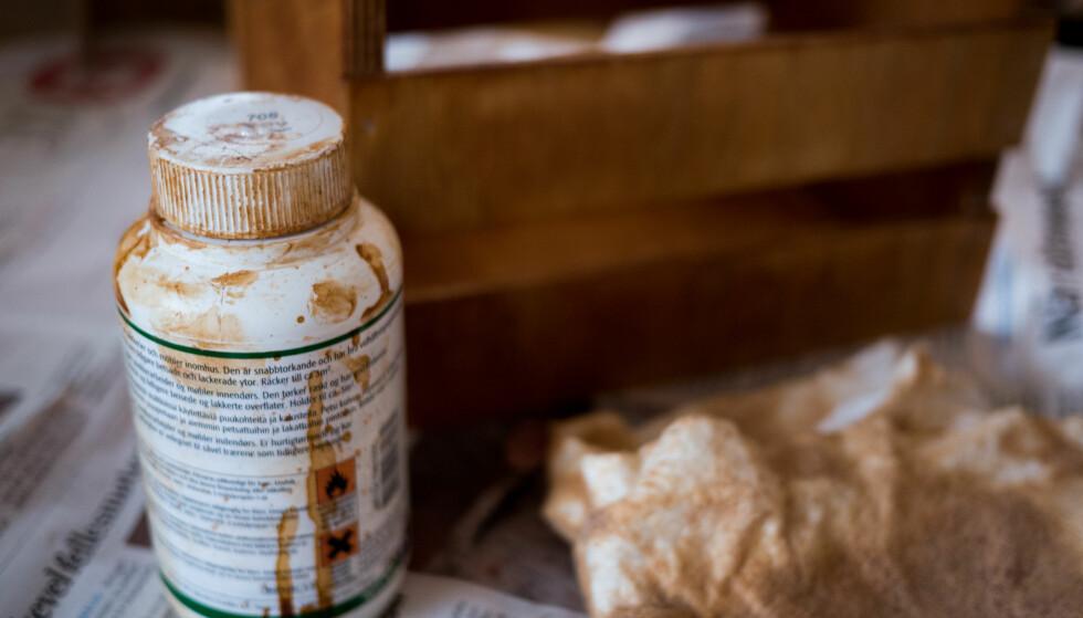 FARGE: Behandler du kassen med olje, beis eller lakk, kan du få den fargen du selv ønsker. Kan selvsagt males også. FOTO: Simen Søvik