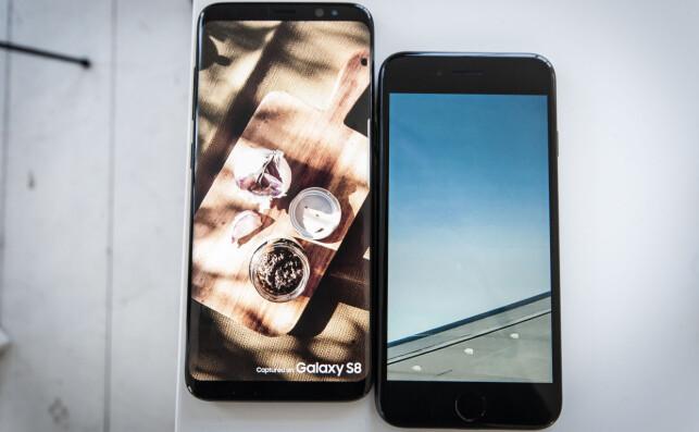 STØRRE SKJERM: Fronten på S8 (til venstre) er nesten bare skjerm, og får utnyttet arealet langt bedre enn Apples iPhone 7. Foto: Gaute Beckett Holmslet