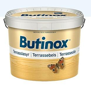 BEST I TEST: Butinox Terrassebeis benyttes til behandling av terrasser av impregnert treverk (terrassegulv, trapper, levegger, hagemøbler etc.).