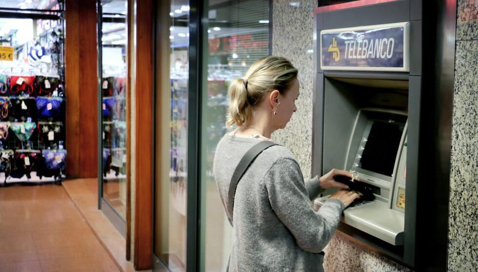 UGUNSTIG VALUTA: Spør minibaken om du vil ha beløpet i norsk valuta, bør du takke nei. Foto: Ole Petter Baugerød Stokke