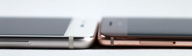 TYNNERE: P10 Plus (til venstre) er en halv millimeter tynnere enn Mate 9 Pro, men har da også litt mindre batterikapasitet. Foto: Pål Joakim Pollen
