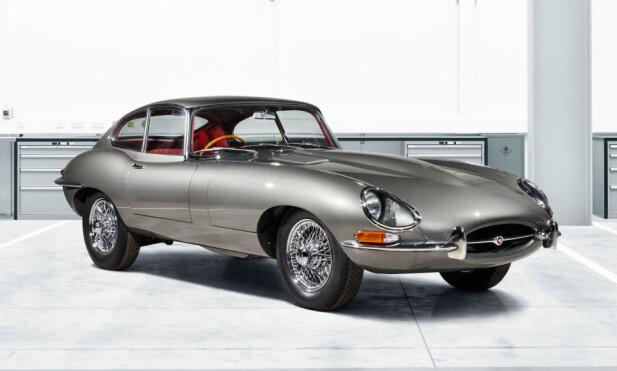 SOM NY: En vaskeekte, original Jaguar E-type, restaurert til fordums glans av produsenten selv - det kan ikke bli feil. Men dyrt! Foto: Jaguar
