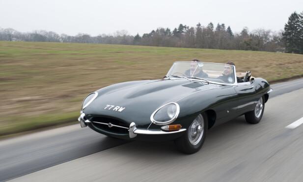 ÅPENBART: Dette er ikke en restaurert klassiker, men en splitter ny Lightweight E-type. Det er en av bare seks som skal bygges. Foto: Jaguar