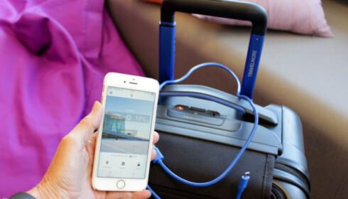 SMART KOFFERT? Kofferten Bluesmart kan i det minste lade mobilen din, og veie innholdet. Foto: Kristin Sørdal