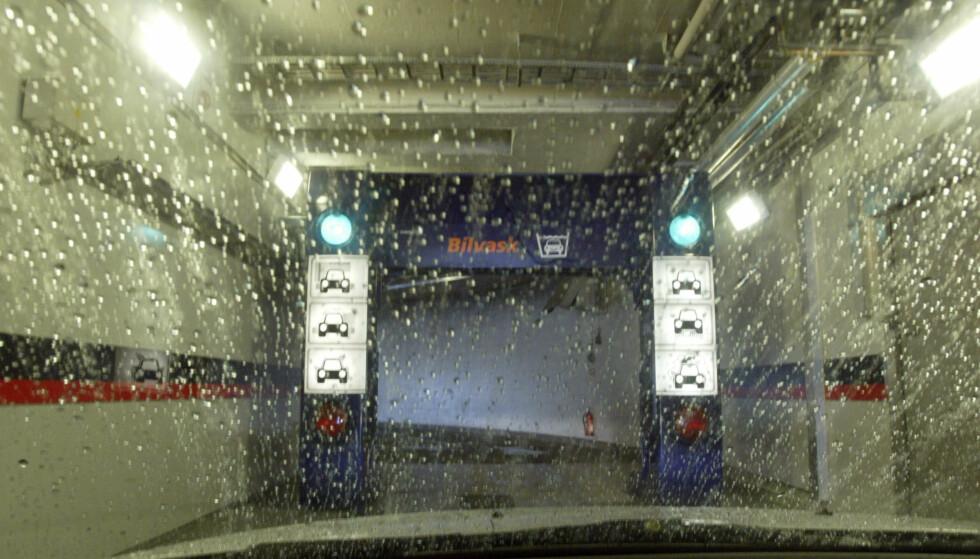 BILVASK: Slik kan det se ut inne i maskinen under vask. Foto: Morten Holm/Scanpix