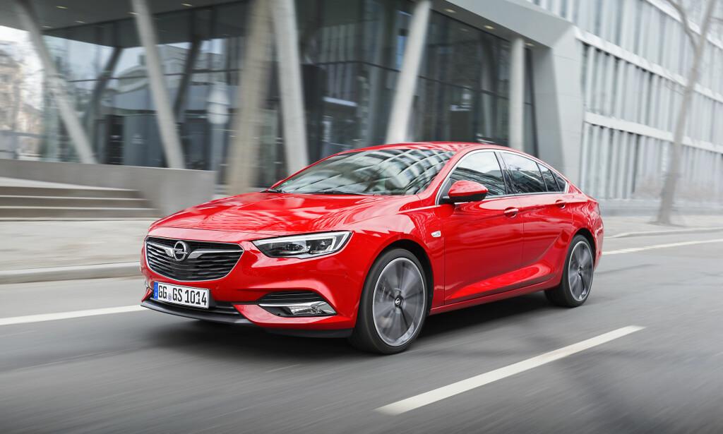 Kjøremaskin: OPC-Line og 260-hesters bensinmotor er en god kombinasjon. Foto: Opel