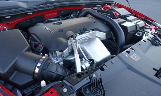 Insignia Grand Sport fås i to bensin-varianter og to diesel-varianter. Foto: Fred Magne Skillebæk