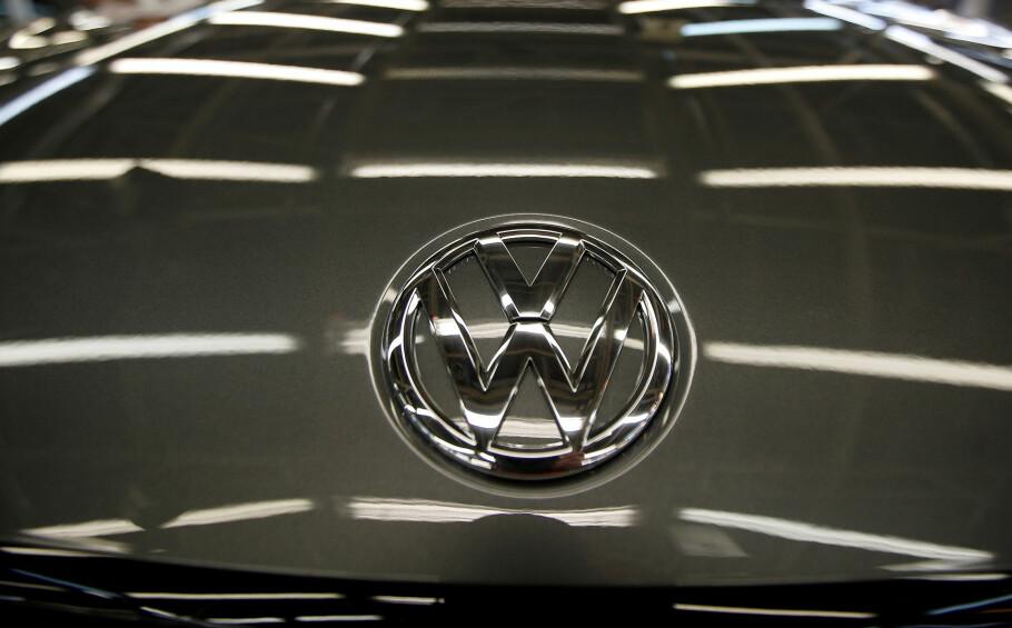 TILBAKEKALLER BILER: Volkswagen (VW, Audi, Skoda) tilbakekaller hele 7.847 biler i Norge. Foto: Volkswagen. Foto: REUTERS/Rafael Marchante/File Photo