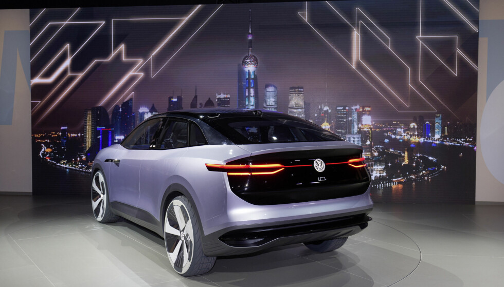 INGEN SPØK: Dette er ikke bare fantasi, men biler som er i arbeid. Om litt er de på gata. Foto: VW