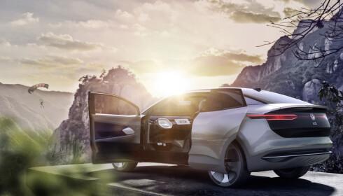 VANLIGE DØRER: Vi har fått bekreftet at skyvedørene er konsept-stæsj. Den får ordinære dører i virkeligheten. Foto: VW