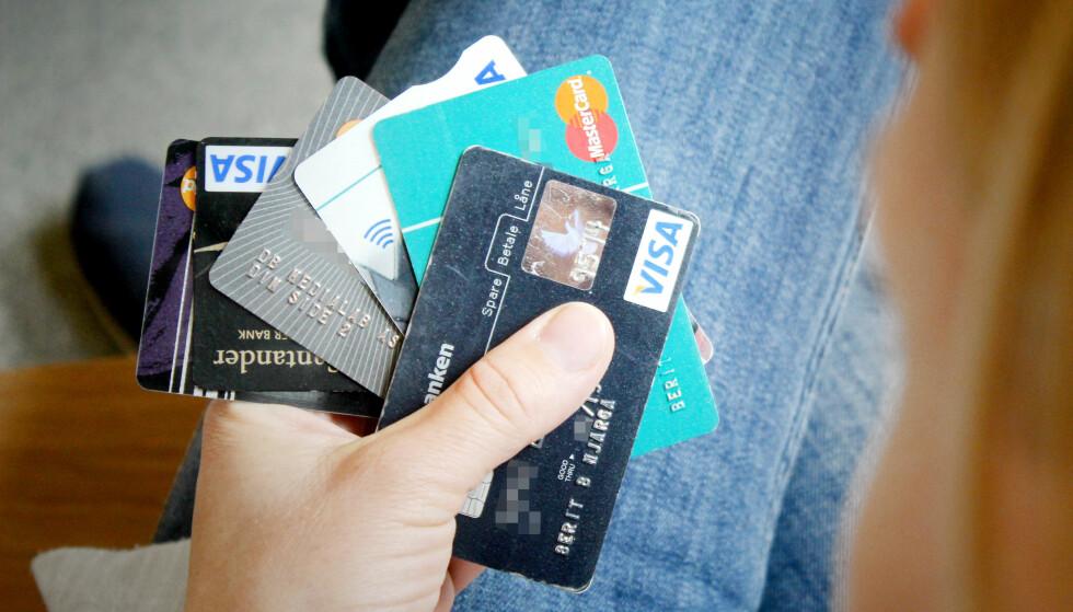 <strong>PASS PÅ:</strong> Det er viktig at du passer godt på bankkortene dine hver dag, men spesielt når du skal på ferie. Foto: Berit B. Njarga.