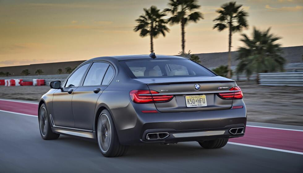 Visuell: Den legges merke til, med sine godt over 5 meter, selv i California. Foto: BMW