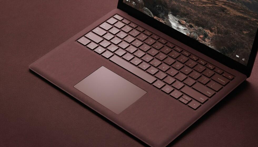 NY MASKIN: Surface Laptop er en bærbar PC fra Microsoft som kjører Windows 10 S. Foto: Microsoft