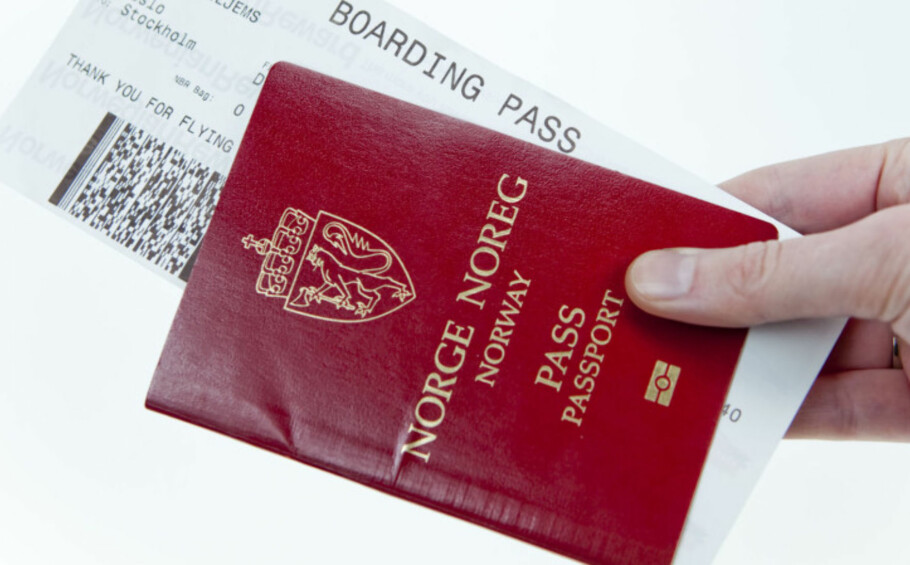 SKJERPET PASSKONTROLL: Inn og ut av Schengen-området er passkontrollen skjerpet - men foreløpig ikke til og fra Gardermoen. Foto: Per Ervland