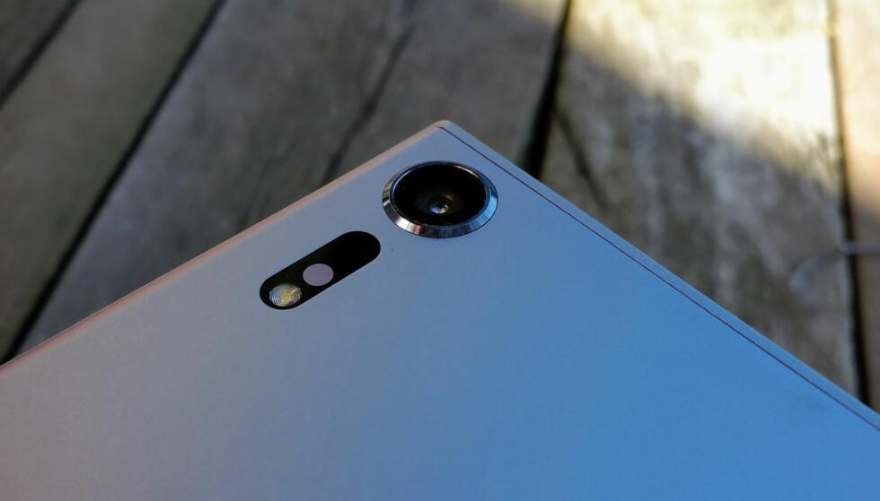 SPESIELT KAMERA: Sony Xperia XZs kan filme med inntil 960 bilder i sekundet. Det gir saktefilm i 1/32 hastighet. Foto: Pål Joakim Pollen