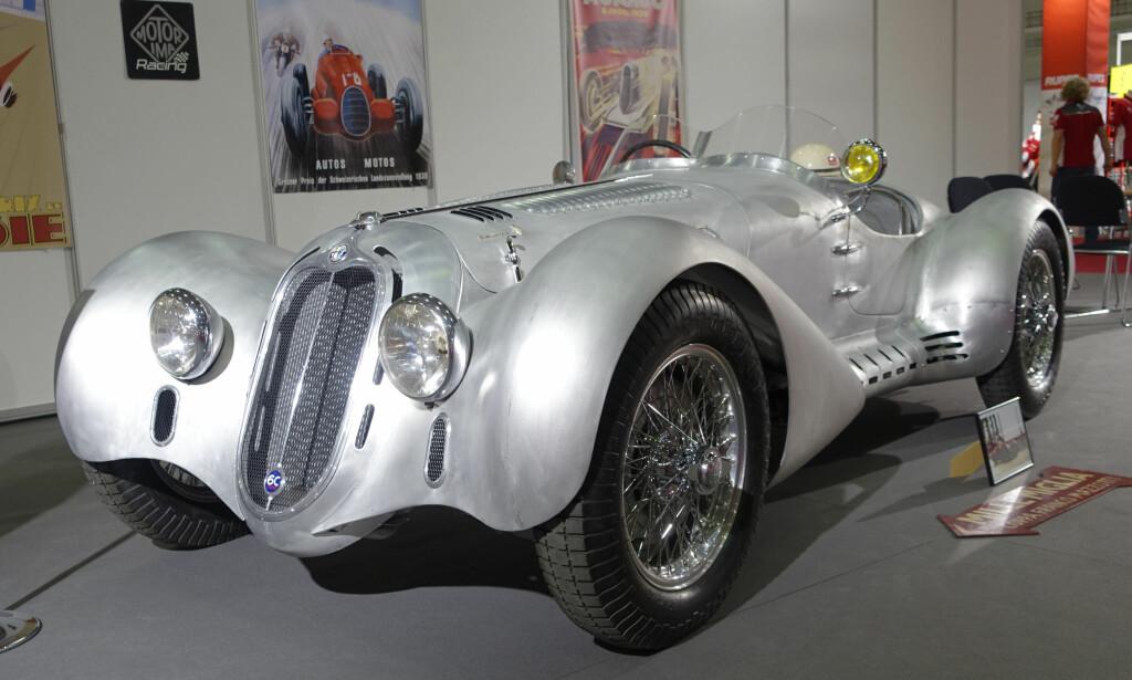 FØRKRIGS: Alfa Romeo 6C 2500 Corsa, en av de heftigste racerne på 1930-tallet. Foto: Knut Moberg