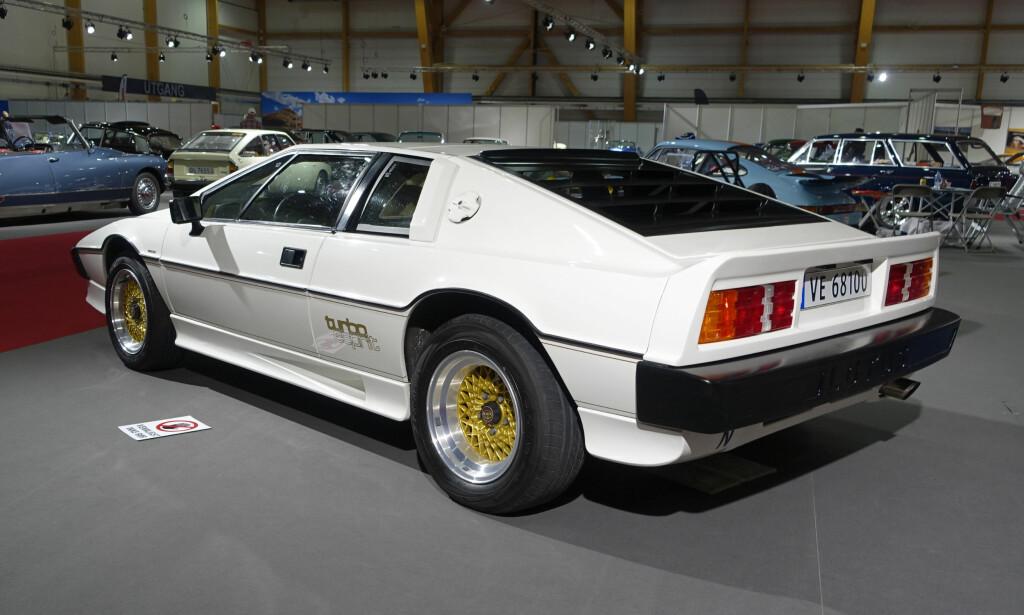 FUTURISTISK: Lotus Esprit Turbo - en superbil fra 1970-tallet, kjent blant annet for sin rolle som undervannsbil fra James Bond. Foto: Knut Moberg