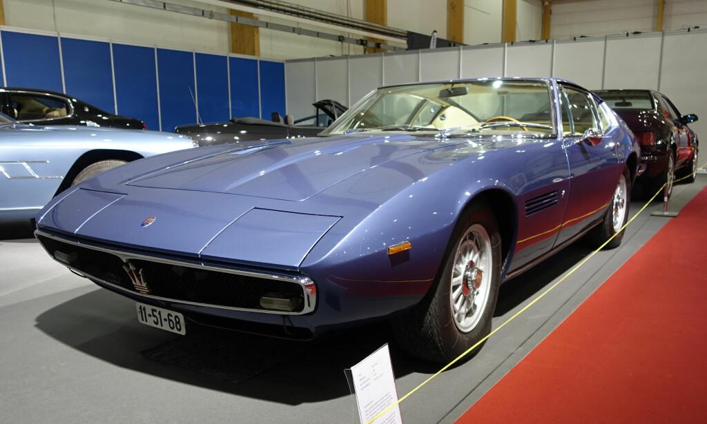 FARTSFANTOM: Maserati Ghibli var en av de virkelige superbilene sent på 60-tallet. Den hai-lignende bilen ble produsert fra 1966 til 1973. Med 4,7-liters V8-motor hadde den 310 hester. SS-versjonen med 2,9-liters slagvolum og 335 hester var god for 280 kilometer i timen - ganske fabelaktig på den tiden. Foto: Knut Moberg