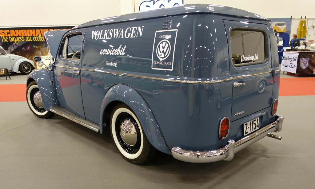 STRØKEN: VW Boble ombygd til servicevogn - av de mer spesielle attraksjonene i messehallen. Foto: Knut Moberg