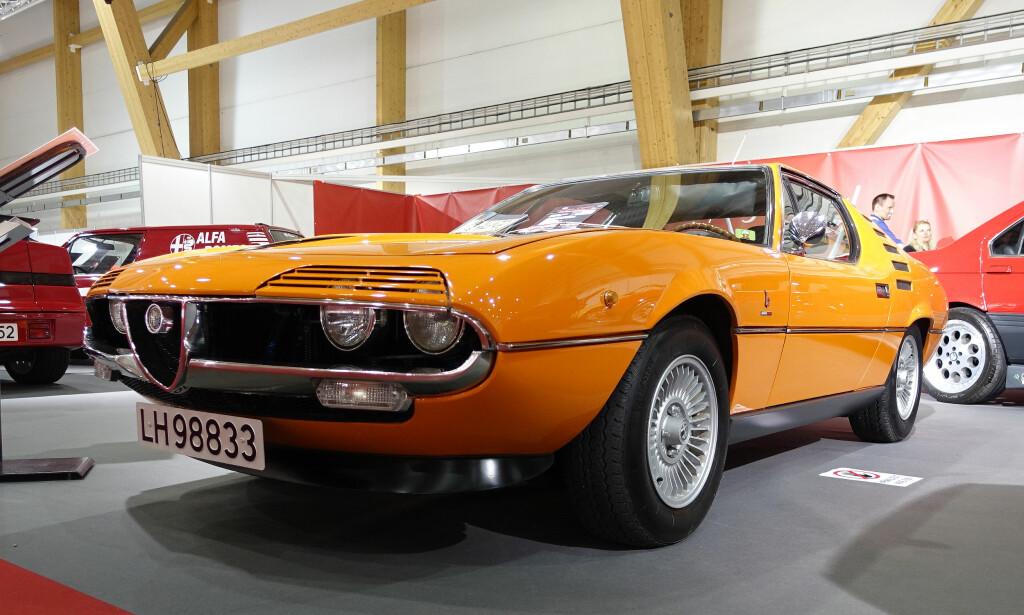 LAMBO-ALFA? Alfa Romeo Motreal, designet av Gandini, ble produsert fra 1970 til 1977. Med 2,6-liters V8-motor var den potente 2+2-coupéen både eksklusiv og rådyr.