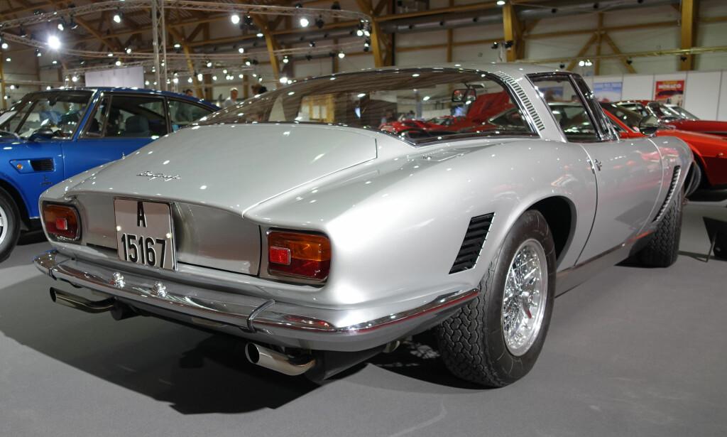 OUTSIDER: Iso fra Milano (opprinnelig Genova), er kanskje mest kjent for mikrobilen Isetta, men bygget også eksklusive og luksuriøse GT-er på 60-tallet. Denne Grifo GL 350 er fra 1967 og tilhører Christian Fett. Den er utstyrt med en Corvette V8-motor og yter 350 hestekrefter. En toppfart på 275 kilometer i timen lot seg høre i 1967! Foto: Knut Moberg
