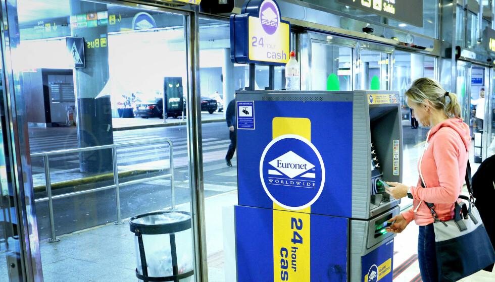BILLIGERE ENN DNB: Valutakursen på euro på flyplassen i Las Palmas, Gran Canari, var bedre enn DNBs valutakurs, og ikke langt unna Visas offisielle kurs. Foto: Ole Petter Baugerød Stokke