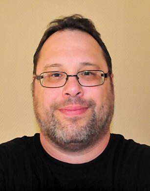 LA UT BILDE: Jeff Newman er ingeniør, ble nysgjerrig på den krasjede skjermen og la ut et bilde på nettet. Foto: Privat