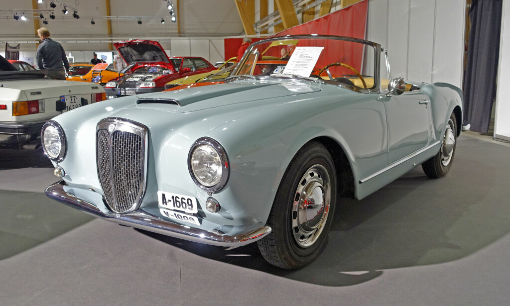 50-TALLS CAB: Denne Aurelia B245 Convertible er fra 1958. Den hadde en 2,5-liters motor på 112 hestekrefter og ble bygget i 521 eksemplarer. Foto: Knut Moberg
