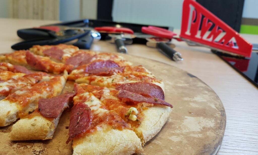 STORE FORSKJELLER: Vår test av pizzakuttere viste at det er store forskjeller på hvor gode de forskjellige produktene er til det som tross alt er deres viktigste oppgave: Å skjære opp pizzaen. Foto: Gaute Beckett Holmslet