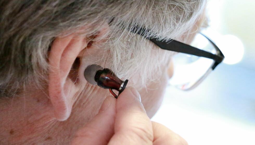 SITTER IKKE: Musikk med propp er ikke for alle ører. Men du kan få ørepluggene til å sitte bedre om du bytter ut gummiforsatsen. Foto: Ole Petter Baugerød Stokke