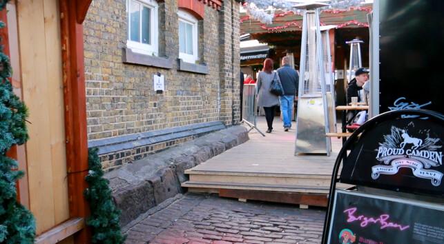HER KAN DU TESTE DET: Fingopay har vært i bruk ved Proud Camden i London siden januar 2017. Ifølge Dryden og Fabrizi i selskapet Sthaler, har 650 kunder registrert seg som Fingopay-brukere, og responsen har ifølge dem vært ubetinget positiv. Foto: Berit B. Njarga