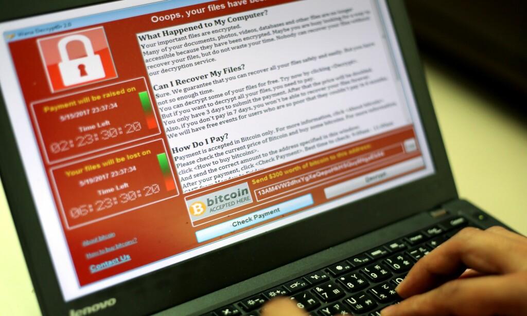 DU KAN HA FLAKS: Sikkerhetsekspert Adrien Guinet har klart å lage et verktøy som kan dekryptere filer rammet av Wannacry – uten at man må betale bakmennene. Foto: Ritchie B. Tongo / EPA / NTB Scanpix