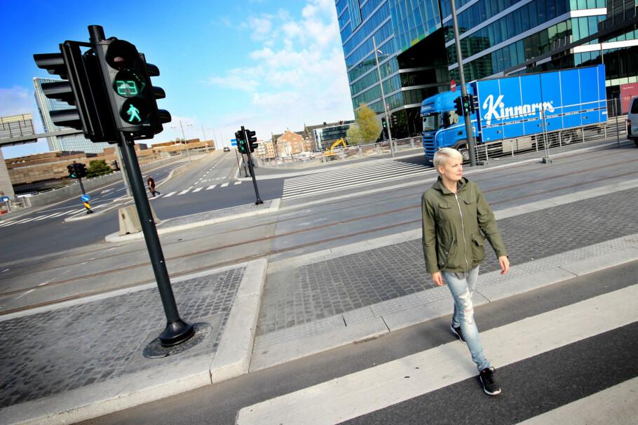 UAKTSOM? Å krysse veien på andre steder enn i gangfeltet kan også være en risiko, rent økonomisk. Foto: Ole Petter Baugerød Stokke