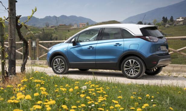 FÅR I ULVEKLÆR? En kompakt fleksibil forkledd som liten SUV, kan være en dekkende beskrivelse av Crossland X - som av andre små crossovere. Foto: Harald Dawo