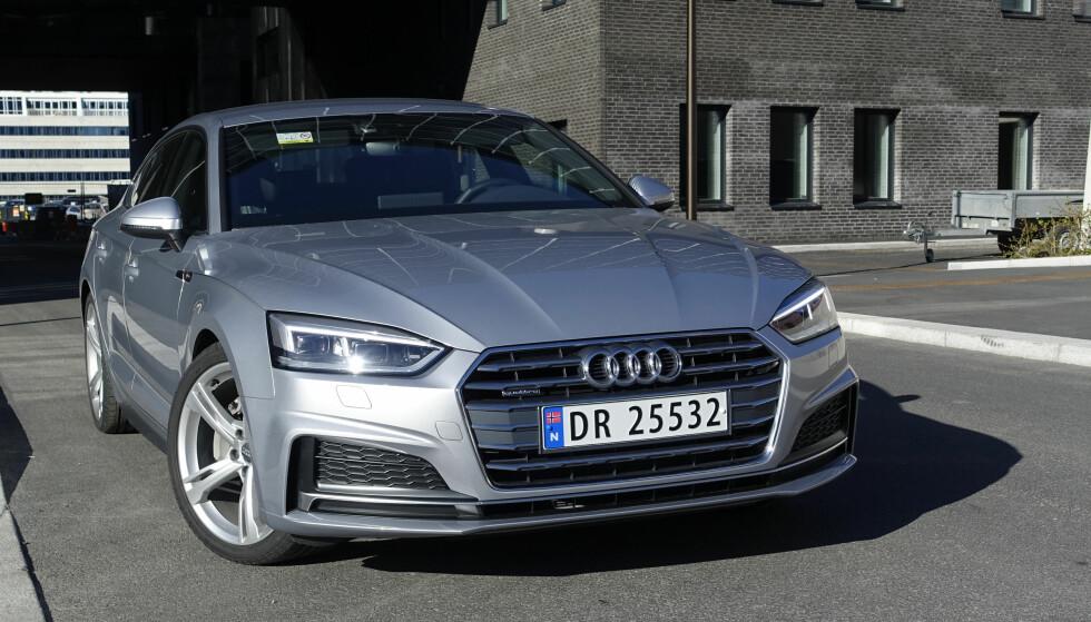 SMEKRE LINJER: Audi har gitt litt mer sving rundt hoftene og alt er mye mer markert enn tidligere. Fronten er også blitt lavere. Til sammen gir dette en tøff og lav fremtoning. Foto: Rune Nesheim