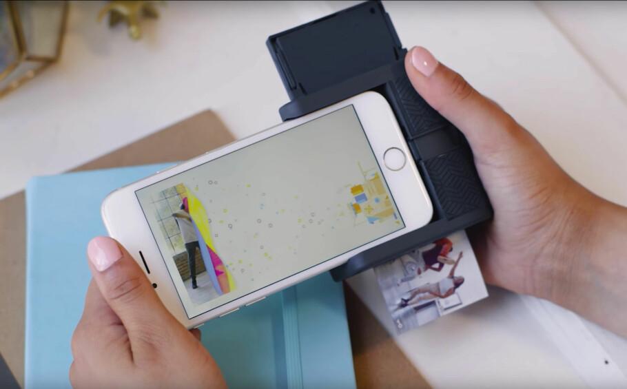 MED VIDEO: Prynt er en mobil fotoskriver som kan skrive bilder direkte fra telefonen. Foto: Prynt/YouTube