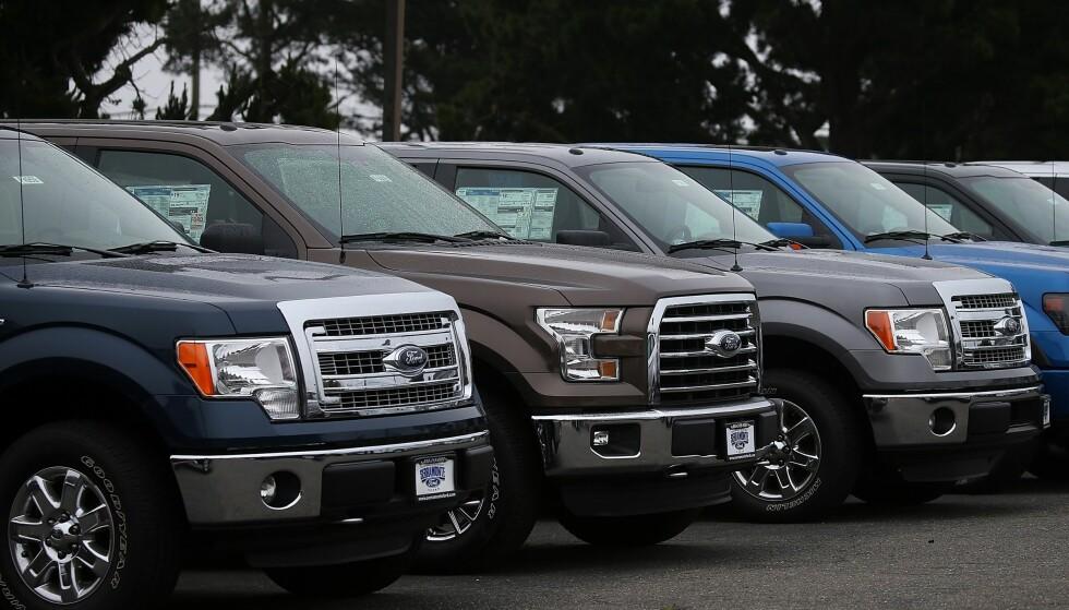F-SERIE: Nye Ford F-150 hos en selger i California, USA. F-serien solgte én million eksemplarer i 2016. Foto: Justin Sullivan/Getty Images/AFP