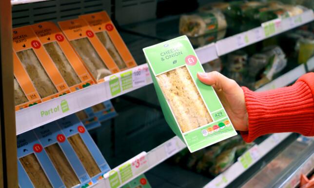 NOEN BILLIGERE? En dobbel sandwich koster 1 pund på Boots apotek. Billigere blir det ikke. Foto: BeritB. Njarga