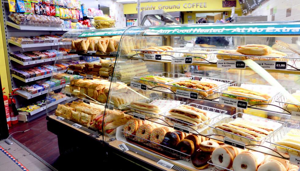 MAT PÅ KIOSKEN: Du kan få påsmurt baguette på kiosken for rundt 2 pund. Foto: Kristin Sørdal