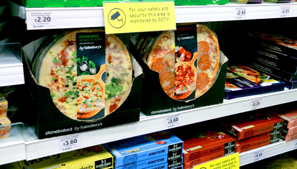 YPPERLIG OM DU BOR I LEILIGHET: Har du leid leilighet kan du også lage deg noe mat selv. Det koster 3,60 for en pizza på matbutikken. Foto: Kristin Sørdal