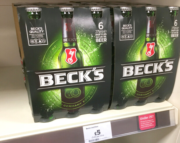 ØL PÅ BUTIKKEN: 6-pack med øl koster 5 pund på Sainsburys i London sentrum. Foto: Kristin Sørdal