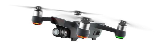 LITEN: Spark er DJIs nye drone og får plass i håndflaten. Foto: DJI