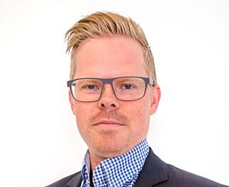 HØYTRYKKSSPYLER: Martin Nordahl-Angell, sales manager consumer ved Nilfisk AS, anbefaler å feste en terrassevask på høytrykksspyleren dersom du velger å bruke den. Foto: Nilfisk AS.